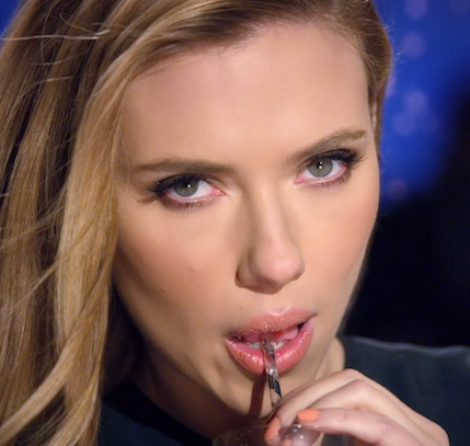 Scarlett Johansson mint a SodaStream arca